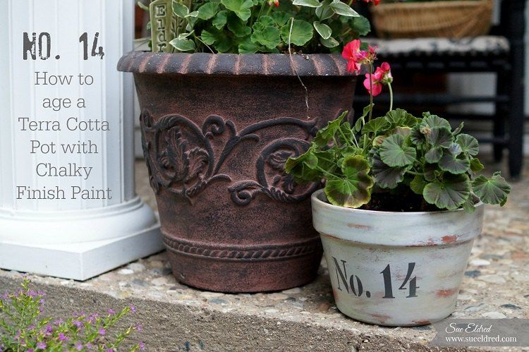 How to Age a Terra Cotta Pot With Chalky Finish Paint