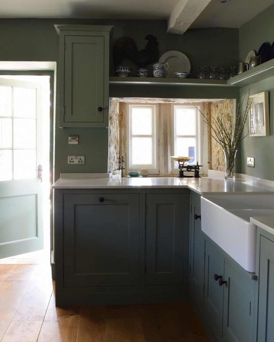 I Think These Two Before And After Shots Show Exactly What It Is That Guild Anderson Excels At In In 2020 Small Kitchen Green Kitchen Cabinets Kitchen Colour Schemes
