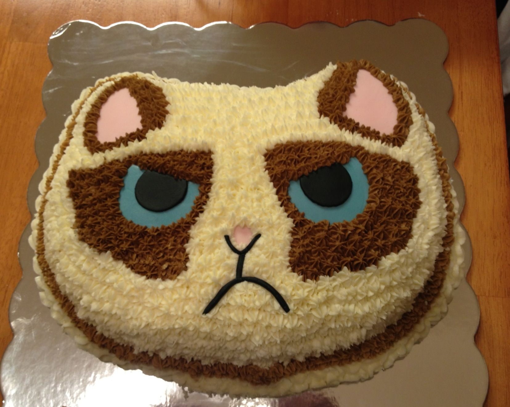 Grumpy Cat Birthday Cake With Images Grumpy Cat Cakes Grumpy