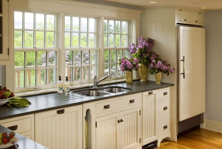 Great Country Kitchen Designs: The Alternative Style: Charming White Country  Kitchen Designs Black Countertops Design