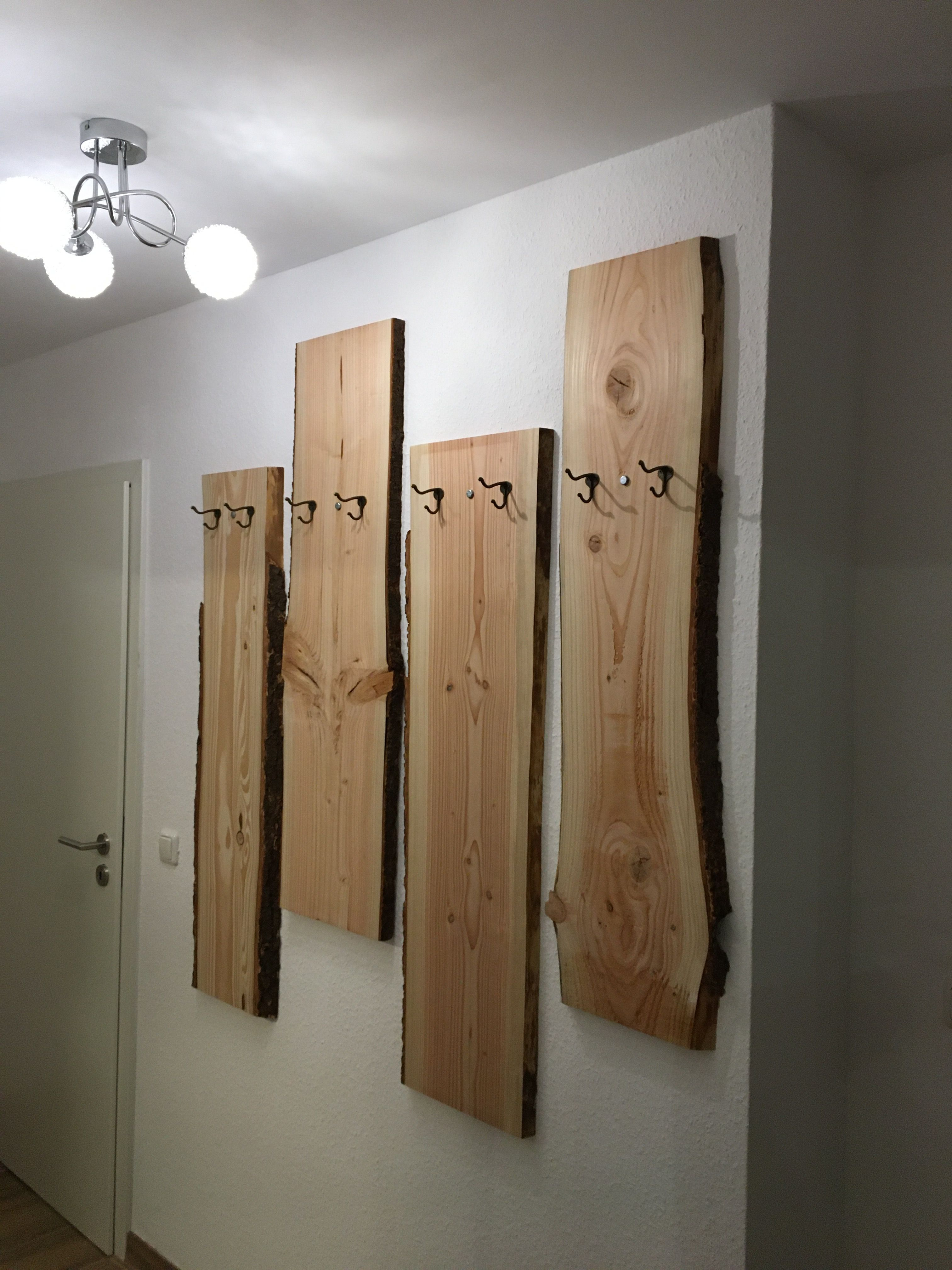 Garderobe Aus Holz Selbstgebaut Ganz Einfach In 2020 Garderobe Holz Garderobe Selber Bauen Eingangsbereich Einrichten