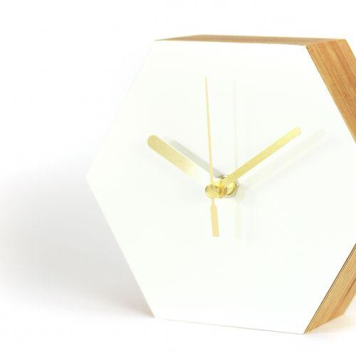 moderne Tischuhr Honeycomb von Kristin Richter
