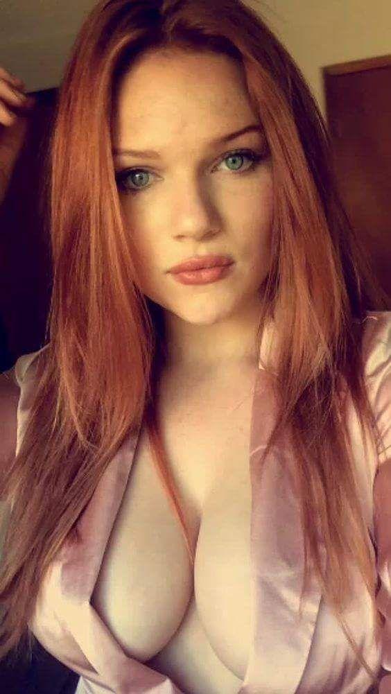 Perfect redhead natural boobs milf