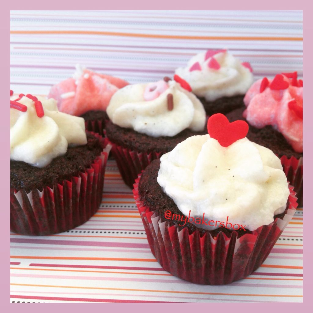 Mini Chocolate Cupcakes with Vanilla Bean frosting for a Valentine treat!  #cupcakes #ValentinesDay #baking #mybakersbox