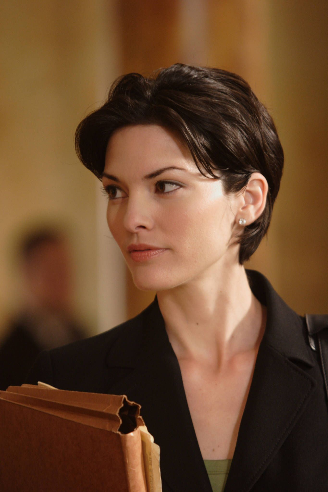 Alana De La Garza With Images Girl Short Hair Short Hair