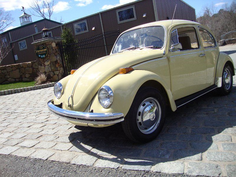 old volkswagen beetle classic 1971 vw volkswagen beetle bug shantung yellow sedan classic. Black Bedroom Furniture Sets. Home Design Ideas