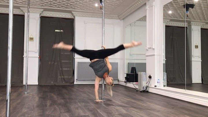 Here's one of the combos I taught in tonight's   #advancedpoletrick   class tonight at   @millviewpo...