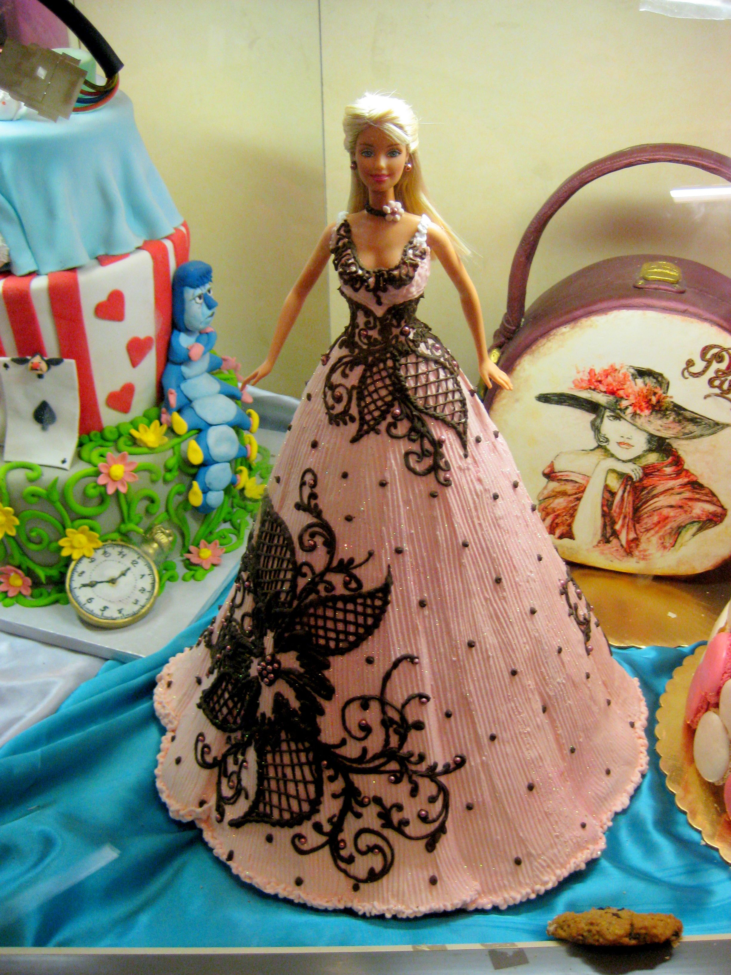 Decoration Gateau Barbie Barbie Doll Cake | The Barbie Bakery | Pinterest | Gateau