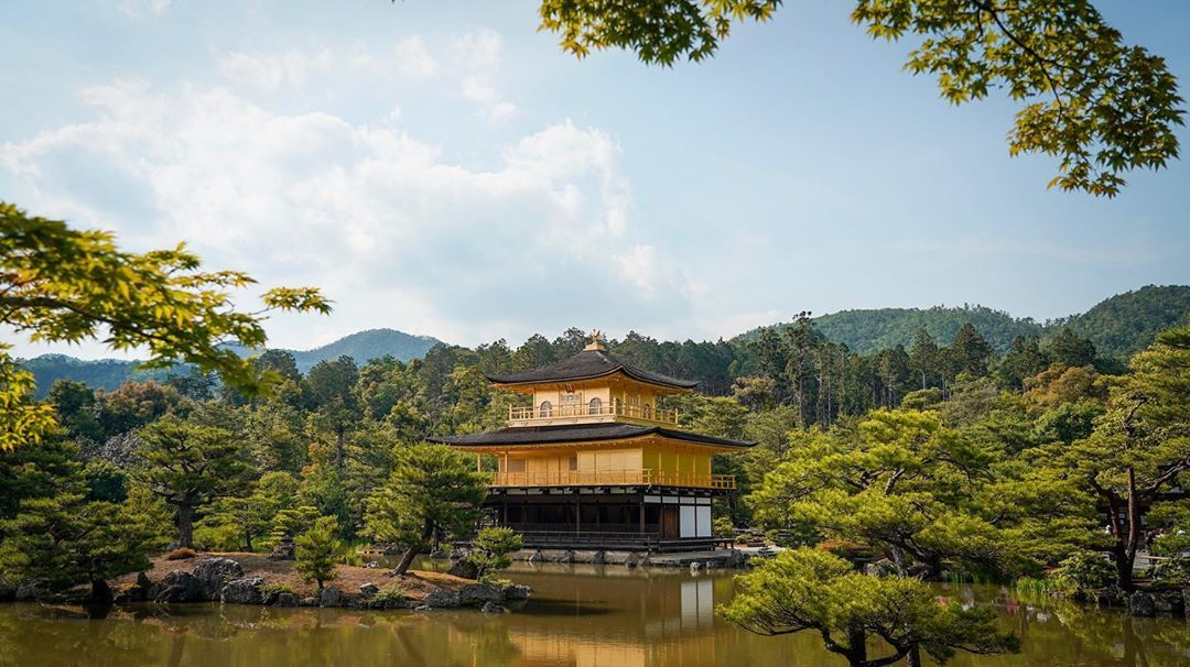 Go far . . Patient is the virtue in getting rid of the crowd here! The magnificent Kinkaku-ji, Kyoto. . . . #ThereThereFestival #kinkakuji #kyoto #kinkakujitemple #travel #goldenpavilion #kyotojapan #temple #travelphotography #kinkaku #gion #japantrip #photography #goldentemple #japantravel #view #japan #wanderlust #insta #vacations #golden #daytime #reflectio
