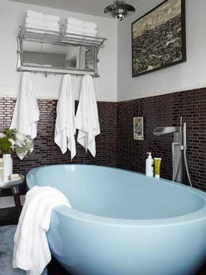 Neko Case S Vermont Home Blue Bathtub Country House Decor Country Bathroom Decor