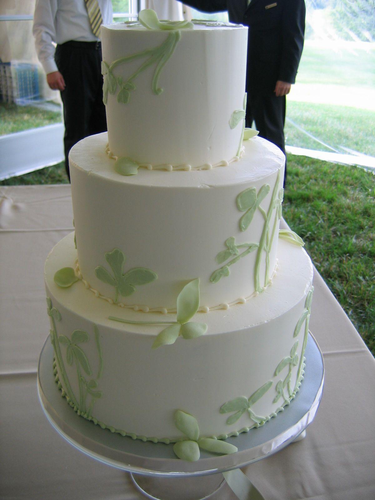 Magpies Bakery Knoxville, TN Custom buttercream wedding