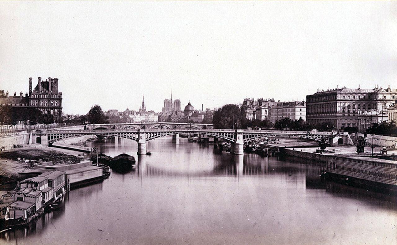 Edouard Baldus - La Seine, Paris, 1850.