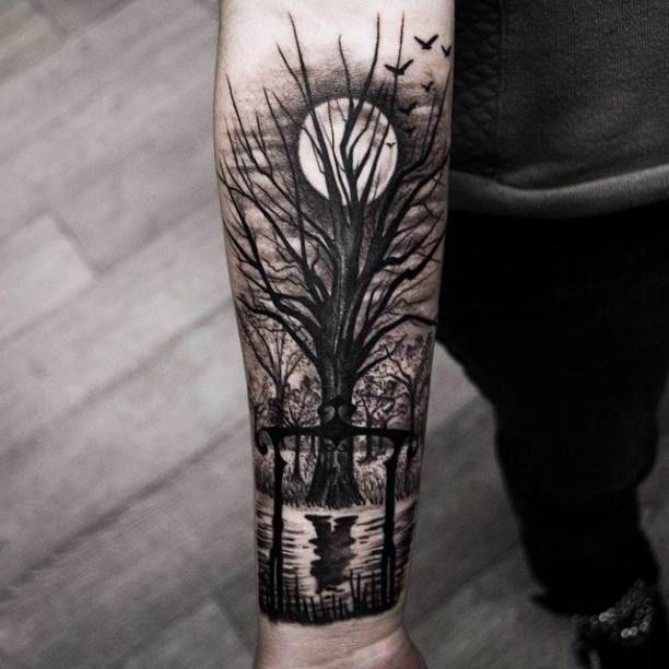 Tattoo Tree At Full Moon Tattoos Tattoo Pictures Culture Inspiration Tattoo St Tatuaje De Paisaje Tatuajes Para Hombres Mejores Tatuajes Para Hombres