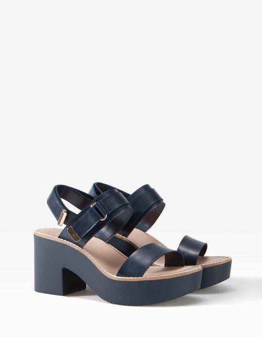 Sandaly Na Zabkowanej Platformie Wszystkie Dla Pan Stradivarius Polska Women Shoes Shoes Me Too Shoes