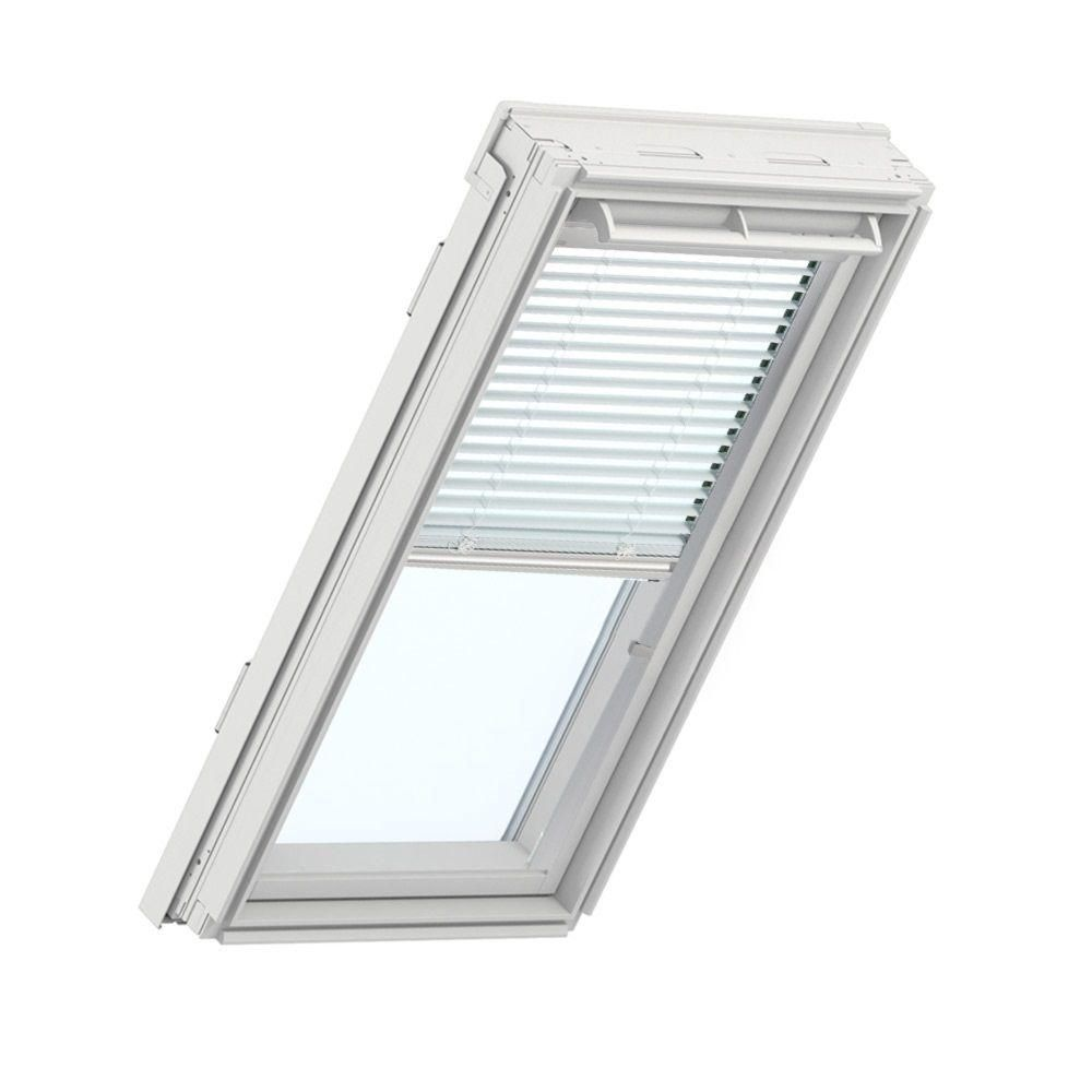 Velux White Manual Venetian Skylight Blinds For Gpu Ck04 Models Pal Ck04 7001s The Home Depot Skylight Blinds Light Filtering Blinds Curtains With Blinds
