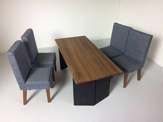 Maison de poupée moderne salle à manger ensemble Se compose du0027une - table de salle a manger grise