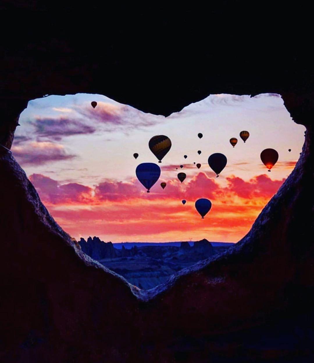 cappadocia #La #mstica #de #turquia #es #el #escenario #perfecto #de #los #amores #imposibles... #un #lugar #que #invita #a #vivir #los #mejores #recuerdos... #. #. #Solicit #tu #asesoramiento #y #presupuesto #+info #escribinos #whatsapp #0992-323111 #travelcenter #. #. #Travel #Center. #asuncion #paraguay #turkey #turquia #kappadokya #cappadociaturkey #beautiful #beauty #love #photography #travel #travelphotography #travelgram #travelling #travelblogger #tattoo