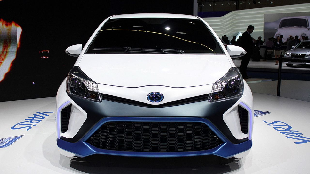 2016 toyota yaris hybrid new toyota cars 2015 2016 cars minivan pinterest toyota cars toyota and car paint jobs