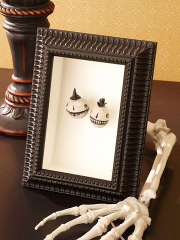 Creepy Halloween Decorations Shrunken head, Shadow box and - not so scary halloween decorations