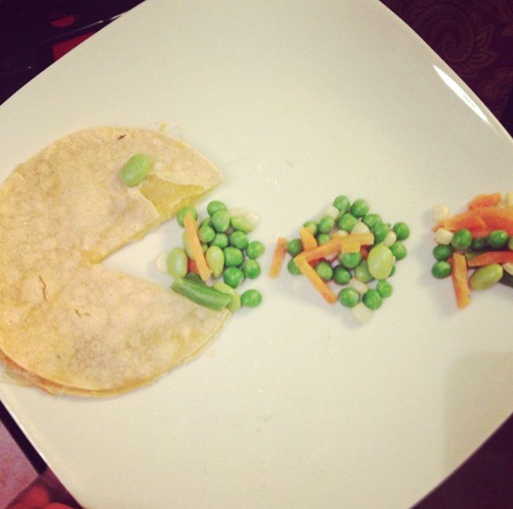 Pin for Later: Move Over, Martha! This Is Food Art For Real Moms Pac-Man Cheese Quesadilla This might just be the easiest and smartest way to turn that boring ol' cheese quesadilla around. Source: Instagram user casijohnson