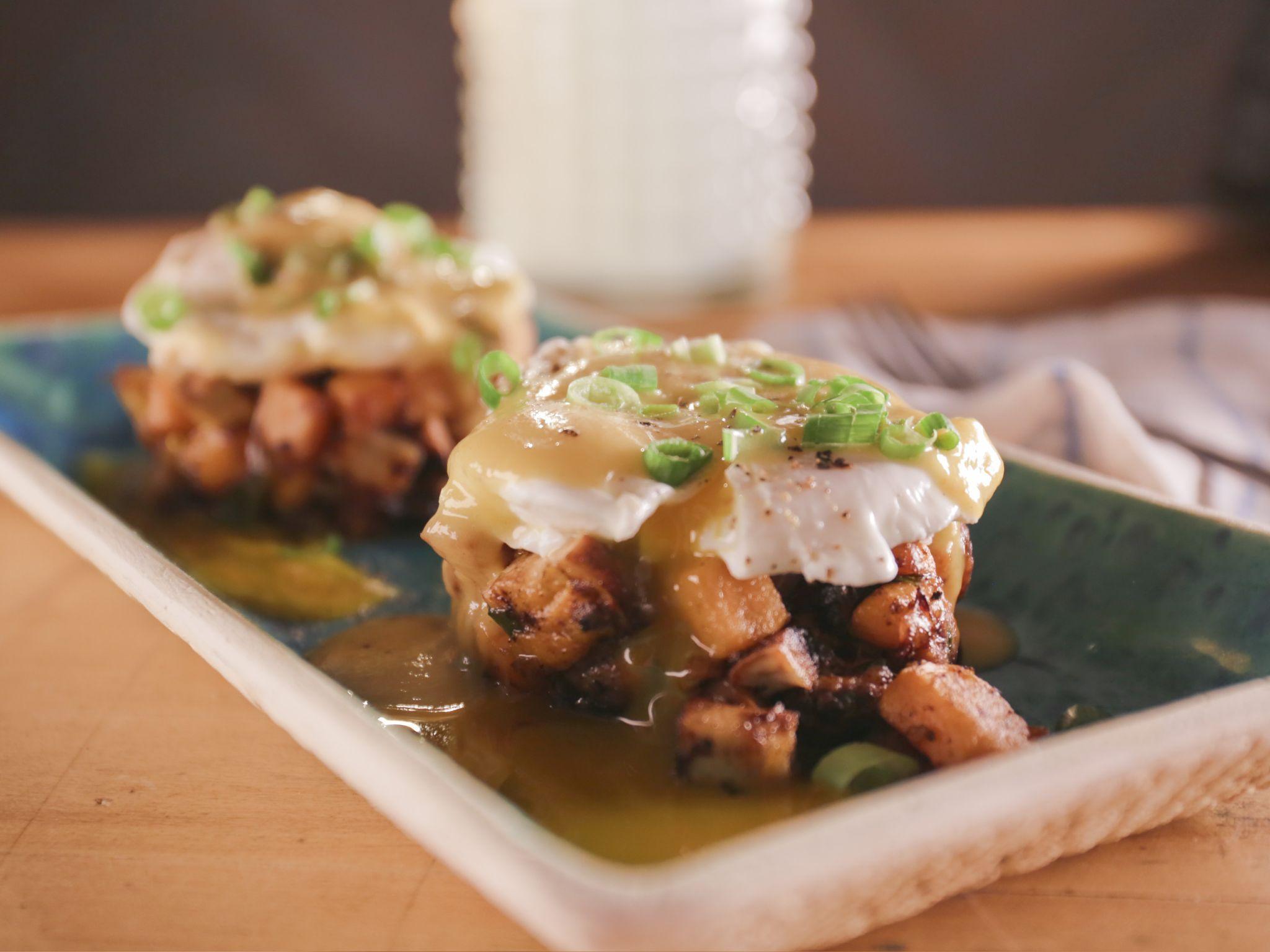 Echa un vistazo a jerk chicken and sweet potato hash with poached jerk chicken and sweet potato hash with poached eggs and mango habanero hot sauce forumfinder Choice Image