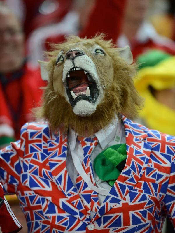 Ein Fan der #Lions hat sich für das Spiel gegen Australiens Rugbyteam Wallabies Stadionfein gemacht. (Foto: Dean Lewis/dpa)