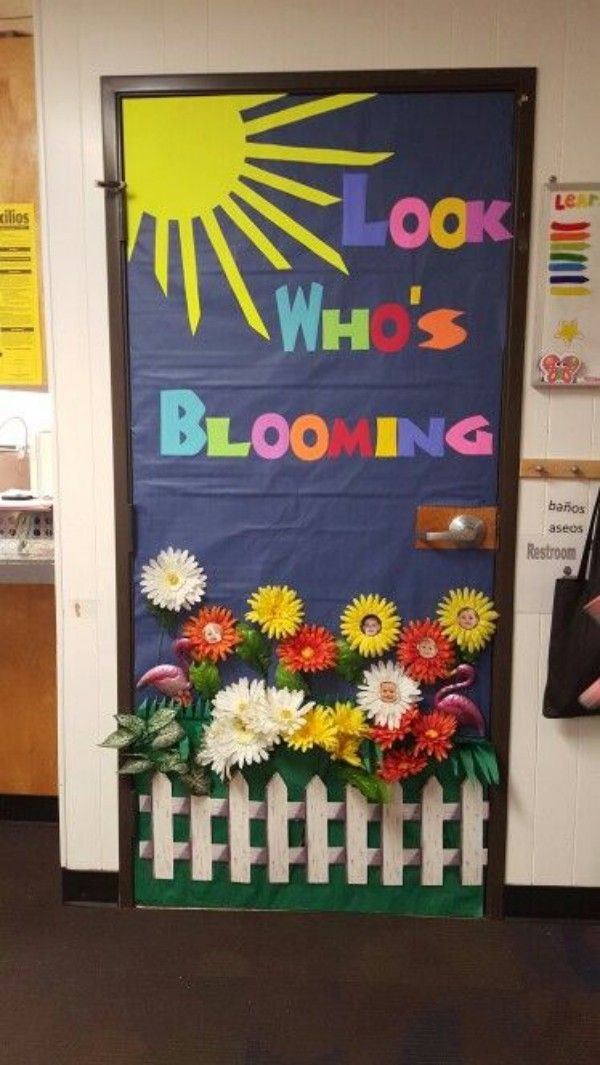 Crafting with Kids: Ideas for the Autumn Classroom Door images