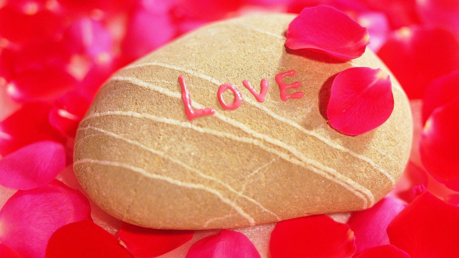 love, stone, shell - http://www.wallpapers4u.org/love-stone-shell/
