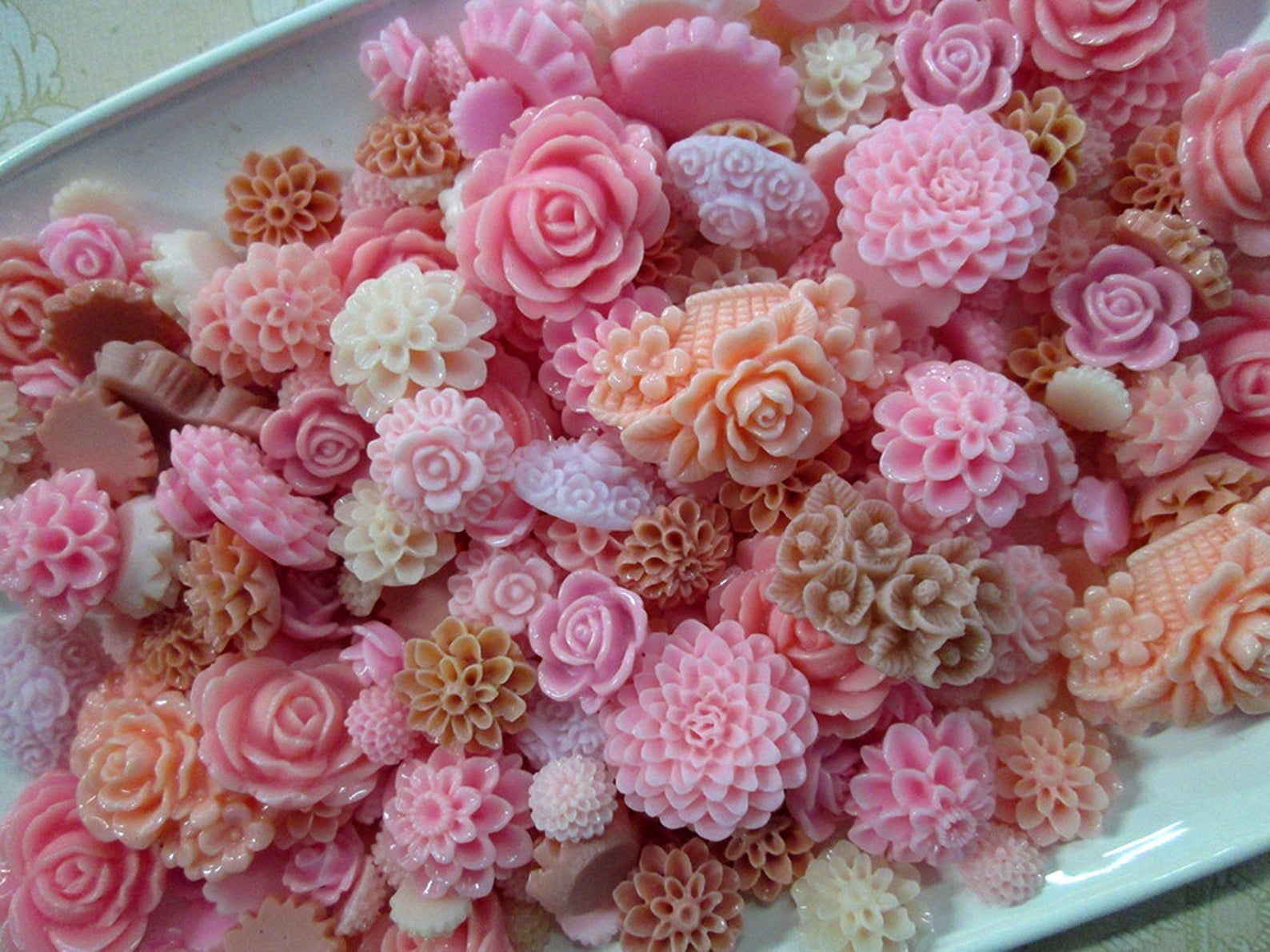 25pc. pink flower cabochon mix, cute grab bag of roses, mums etc...