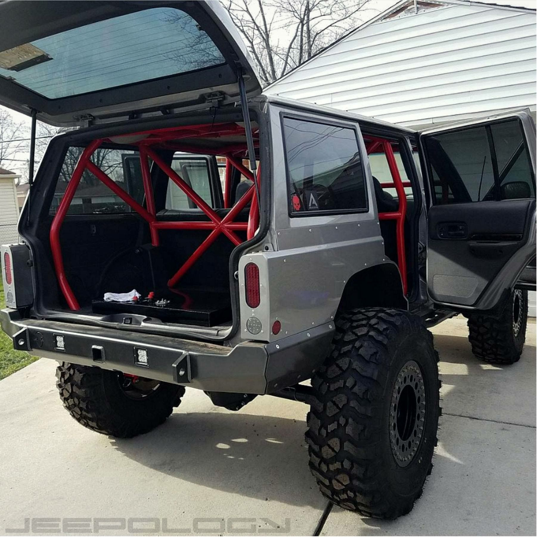 Awesome Cage Idea Jeep Cherokee Xj Jeep Xj Mods Jeep Truck