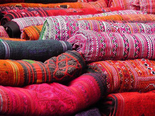 Die besten 25 indische teppiche ideen auf pinterest for Indische sofas