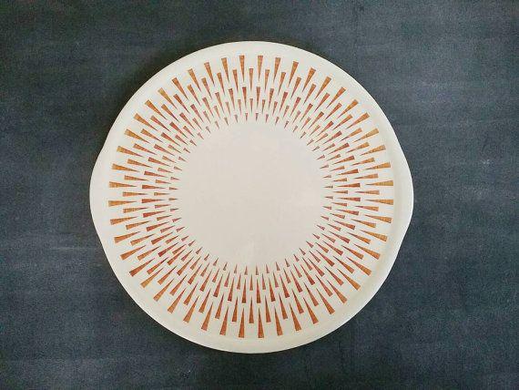 Wunderbare alte Tortenplatte aus Keramik mit honigfarbenem