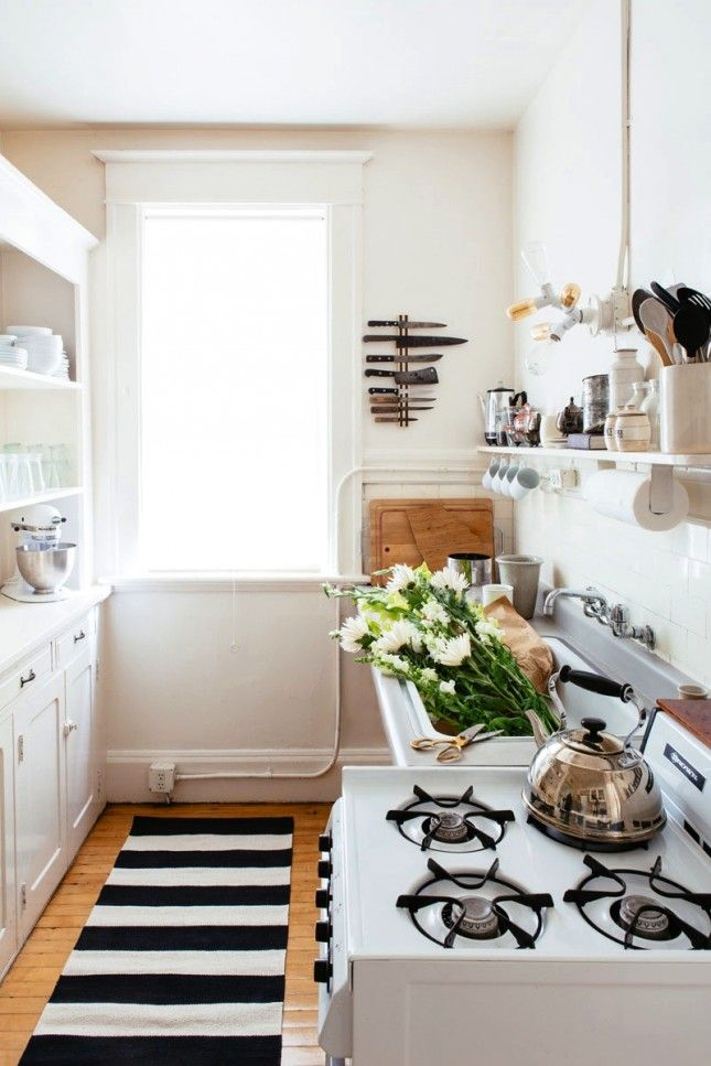 16 Ways To Work Around Little To No Counter Space In Your Kitchen