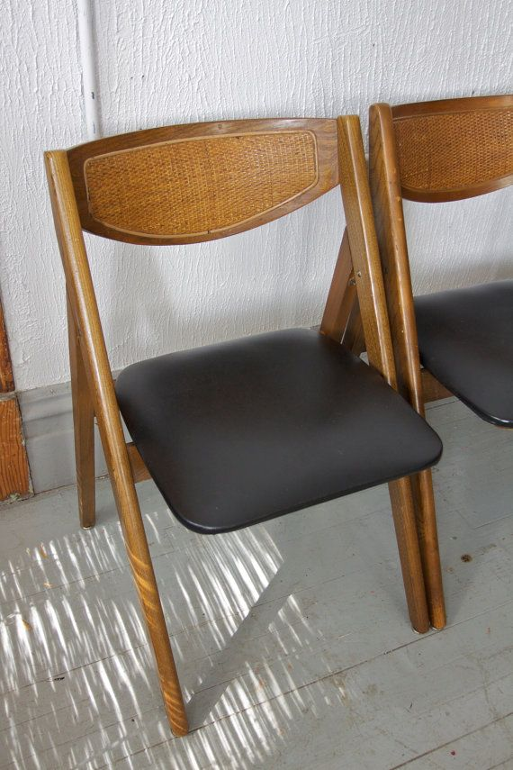 Vintage Mid Century Modern Stakmore Folding Chairs and Card Table