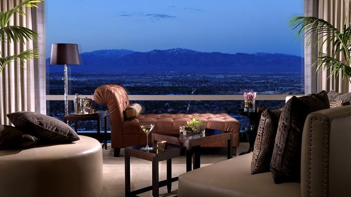 A Penthouse Condo On The Strip Keeps Connor Close To Work What The Extraordinary 3 Bedroom Penthouses In Las Vegas Style