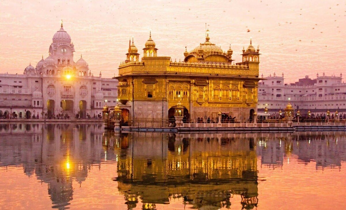Pin By Tannu Gulia On Incredible India Golden Temple Amritsar Golden Temple Golden Temple Wallpaper