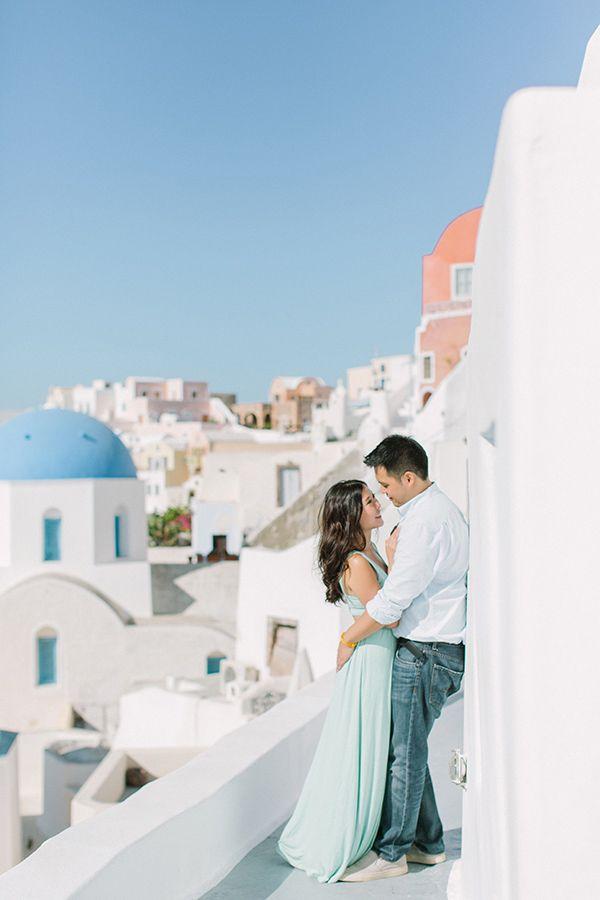 Stylish Santorini Portrait Session Chic Stylish Weddings Honeymoon Pictures Honeymoon Photography Couples Photoshoot