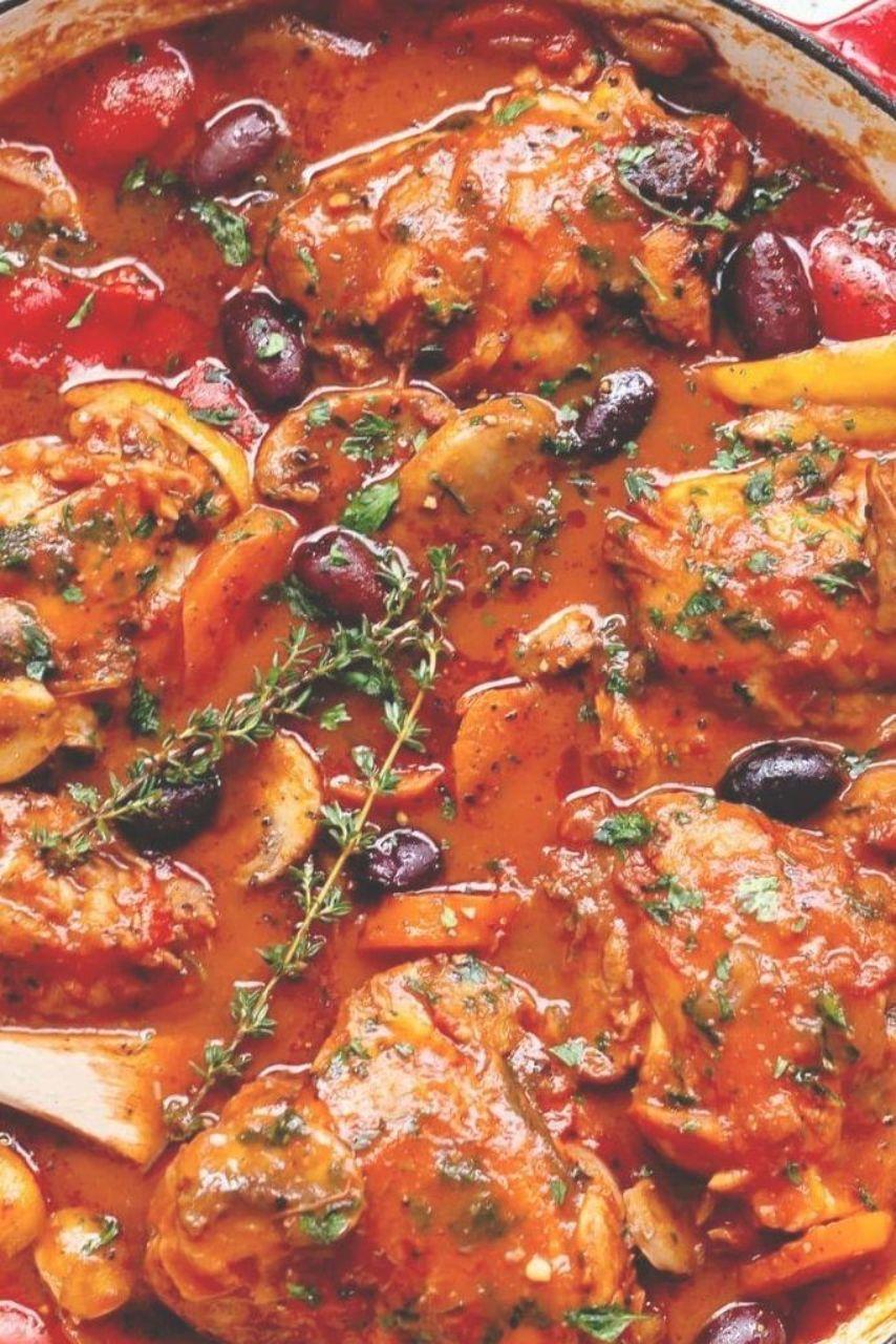 Chicken Cacciatore is Italian comfort food at its bèst Authèntic Italian chickèn cacciatorè madè èasy and simplè Bon&egra...
