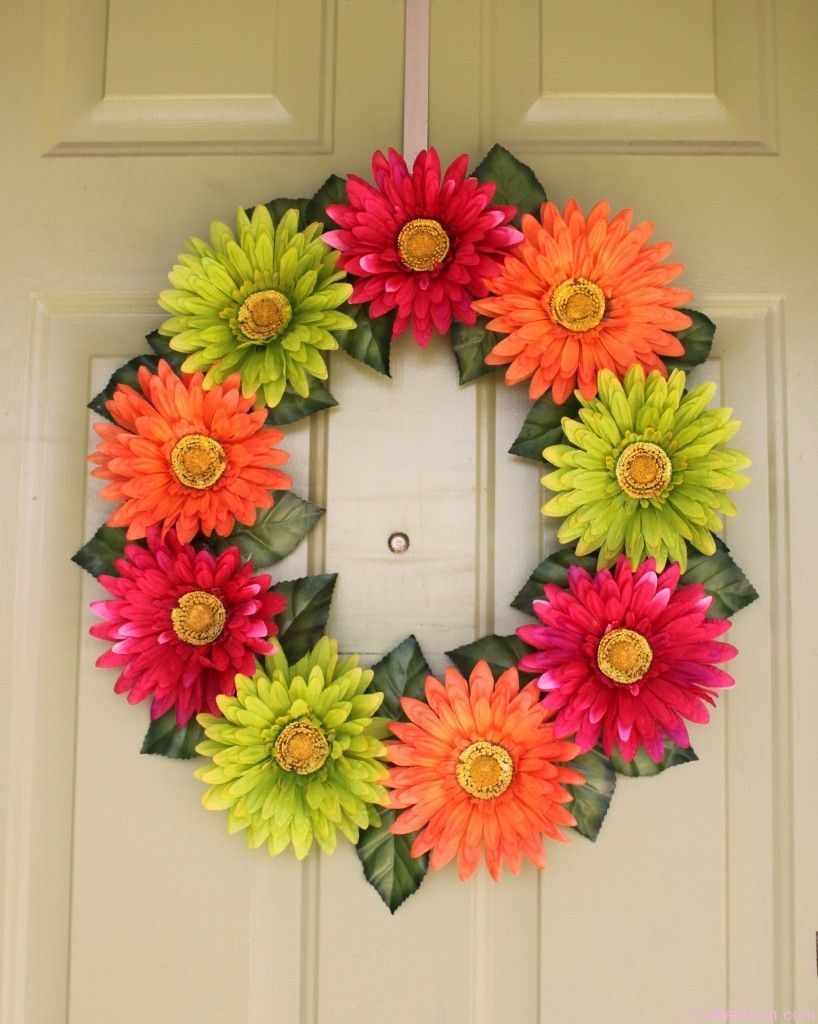 love the gerber daisy wreath so cute and done for very little