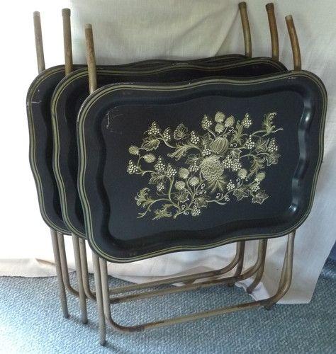 VINTAGE 1950u0027S SET Of 3 METAL TV TRAYS BLACK GOLD PINEAPPLE GRAPES RETRO  TABLES