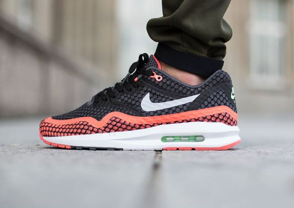 sale retailer 6c9d4 1e9bf Nike Air Max Lunar1 Breeze « Black Hot Lava » post image