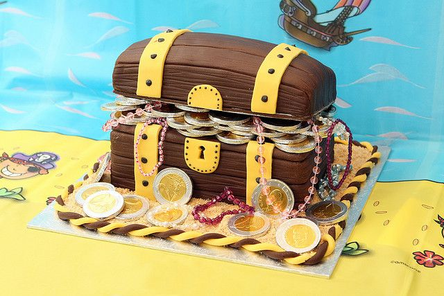 Treasure Chest Cake by MagpieJo's, via Flickr