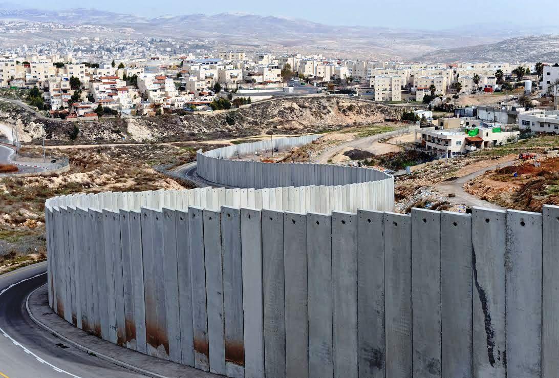 Image Result For Le Mur Entre Israeliens Et Arabes Israel Palestine Israeli Settlement Israel Palestine Conflict