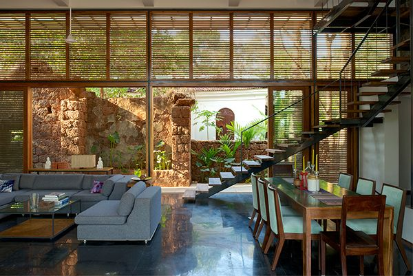 Stylish Eco Friendly Home In Harmony With Nature Architecture House Eco House Design Eco Friendly House