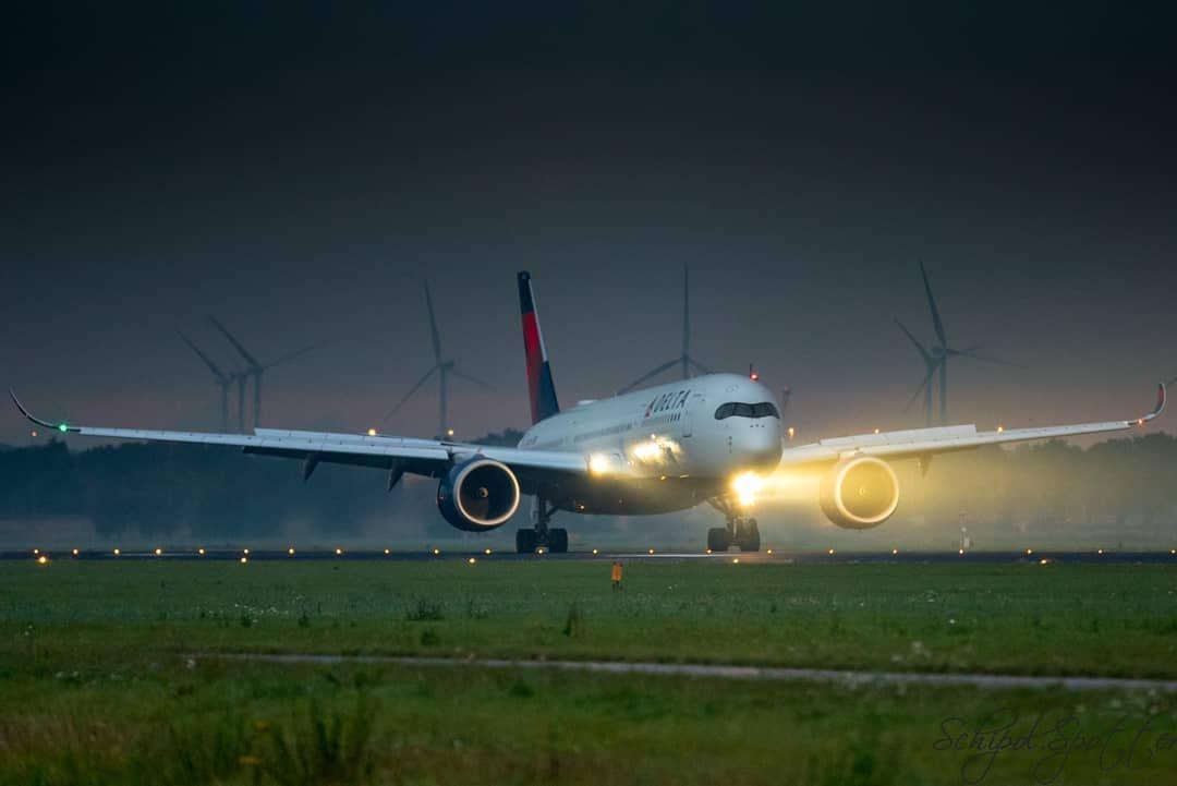 Airbus Airplane Runway Landing Aviation Airplane