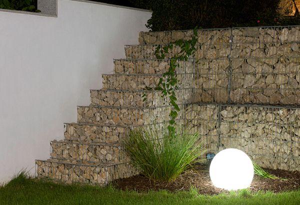 Decoracion interior y exterior con gaviones de piedra for Decoracion de jardines con piedras y madera