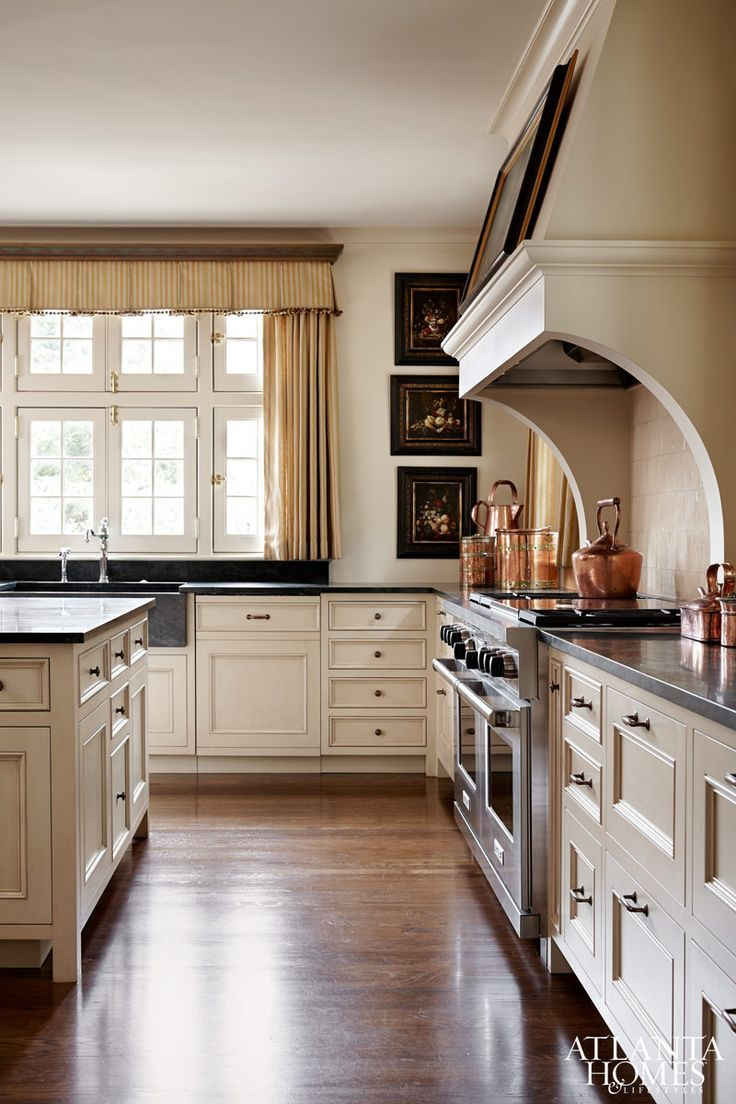Sunday's Swoon Worthy Styles- Colonial Home Style