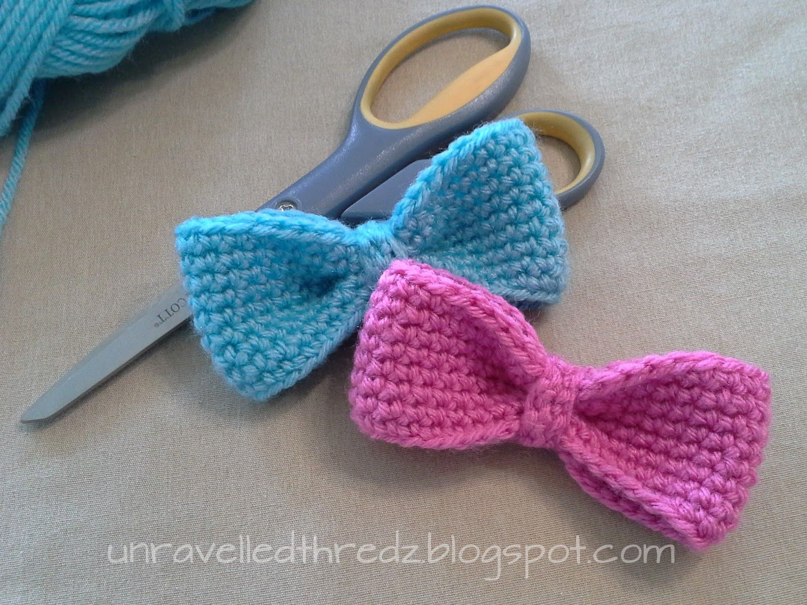 Tutorial/pattern for simple crocheted bows | Lacos de cabelo ...