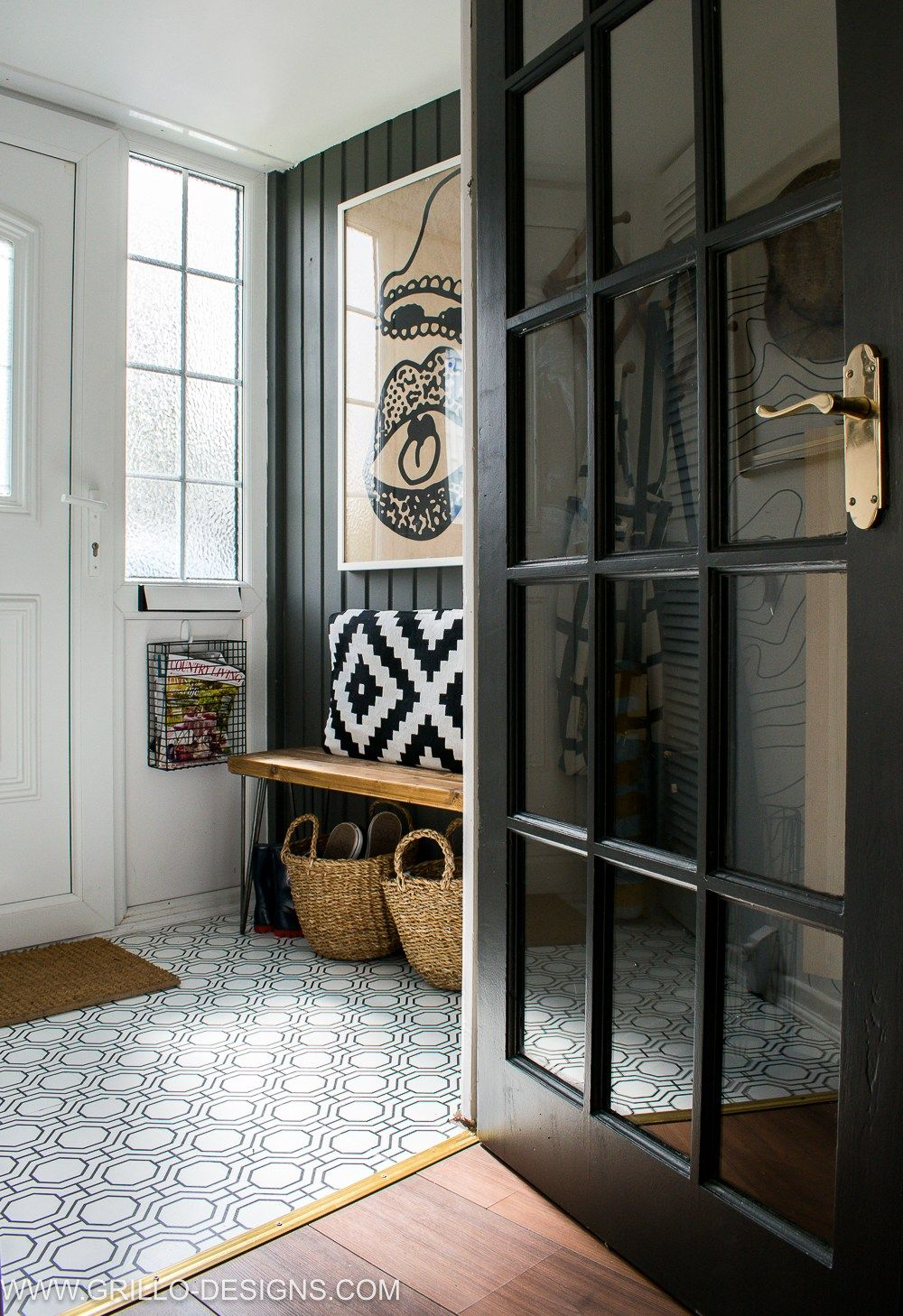 Big Style in a Small Space Rental: Organizing Tips for a chic eclectic space featuring functional and gorgeous design. #smallspaceliving #bohochic