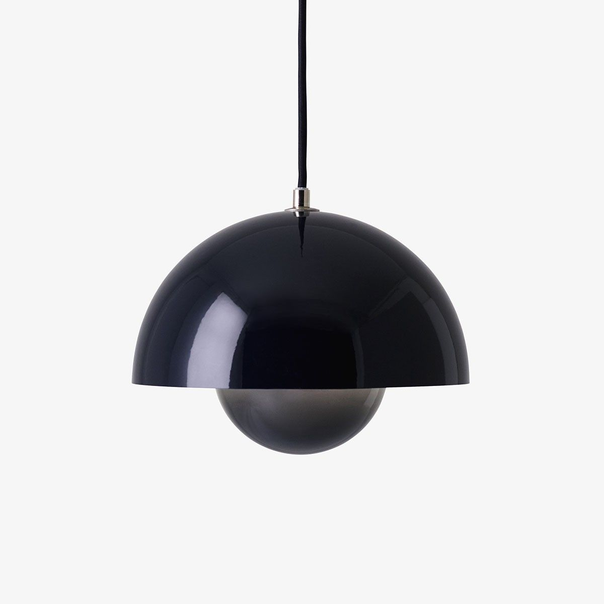 Suspension Flowerpot Bleu Noir By Verner Panton And Tradition Lampe Suspension Plafonnier Luminaire